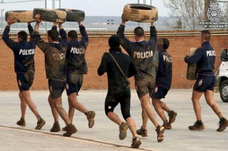 Entrenamiento para la policía nacional: pruebas y rutinas (i)