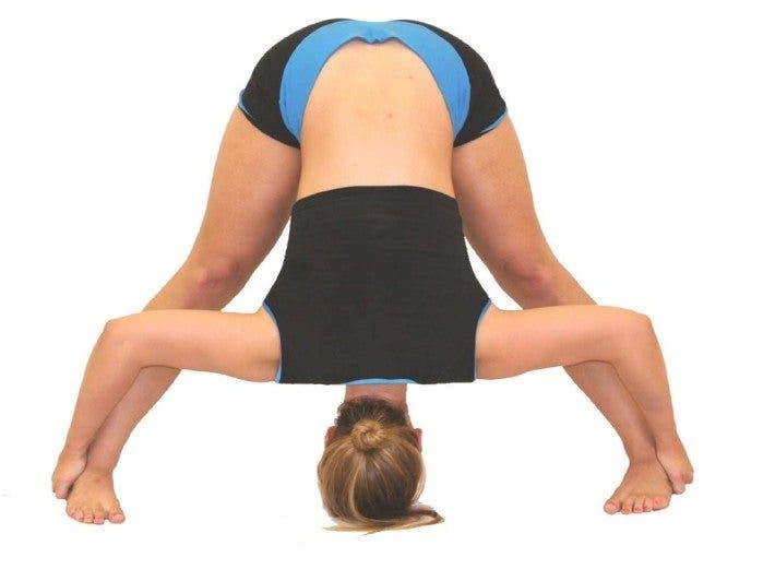 image Flexi adolescente estirando su cuerpo