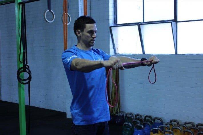 dislocaciones de hombro con bandas