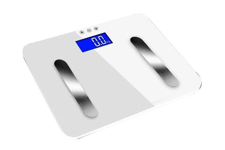 Las básculas digitales pueden medir tu porcentaje de grasa