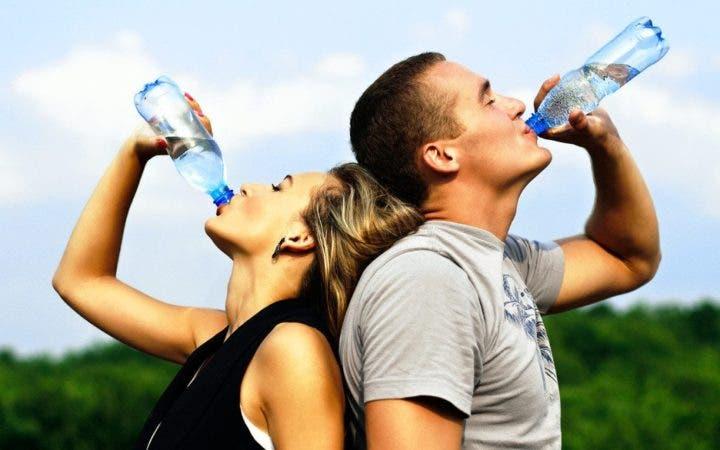 10 razones para beber más agua que te cambiarán la vida