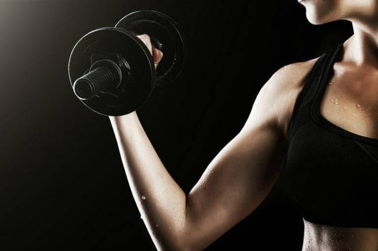 Los increíbles beneficios de entrenar con pesas para corredores