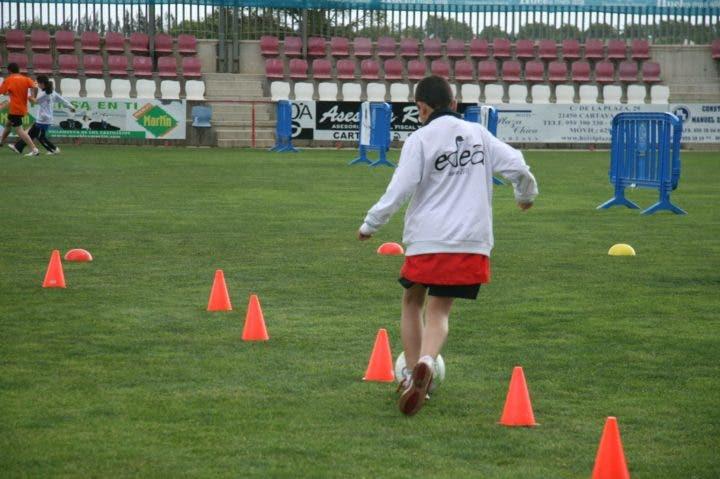 Aprende a correr como el kun ag ero entrenamiento for Gimnasio zig zag