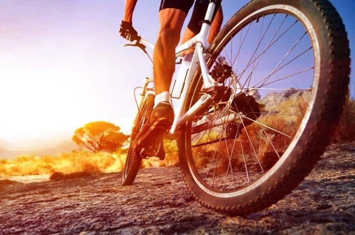 ciclista en ascenso