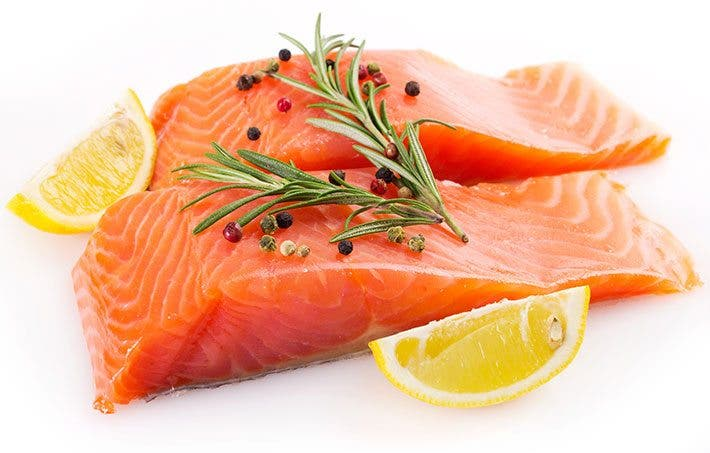 C mo cocinar el salm n correctamente entrenamiento - Cocinar pescado congelado ...