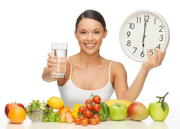 frutas y verduras con agua