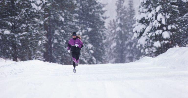 es beneficioso hacer running durante el invierno