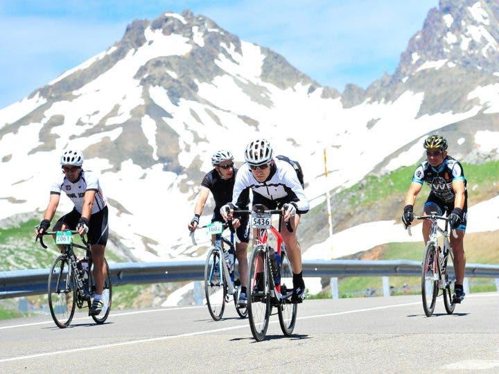 Descensos en bicicleta en grupo