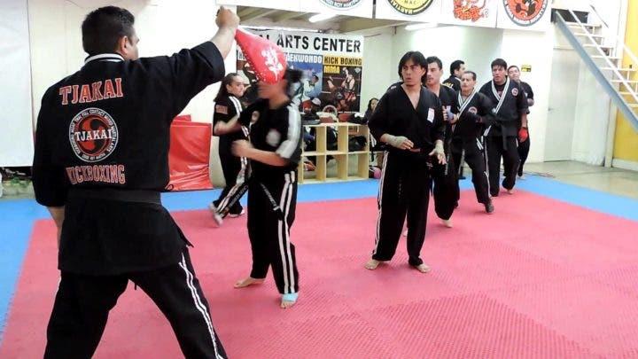 Cómo prepararse para una clase de Kickboxing