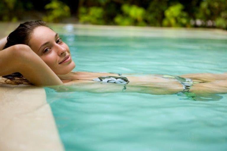piel sana sin efectos del cloro