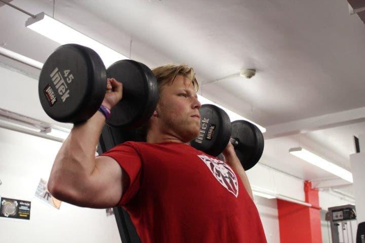 Aumenta tus hombros con este ejercicio