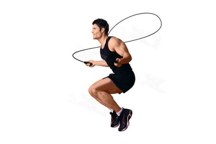 Saltar la cuerda para quemar calorías