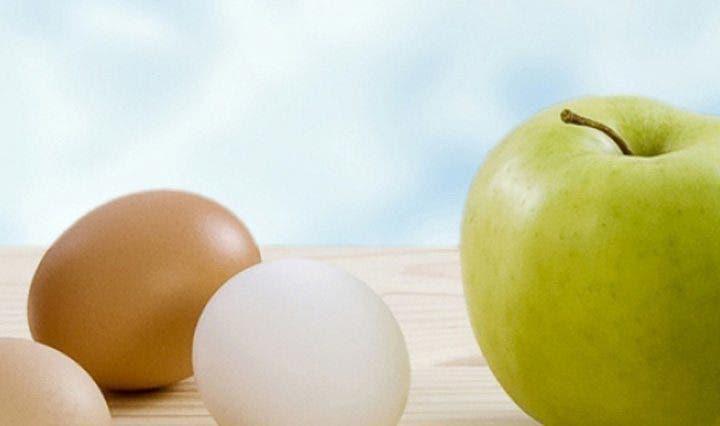 snacks de huevo y manzana