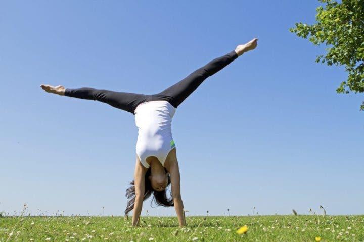 Cómo dominar el equilibrio invertido de brazos