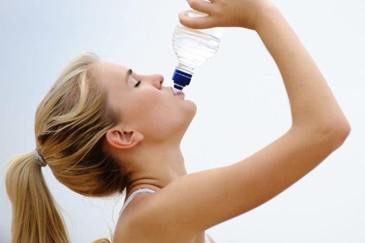 llevar tu botella de agua en yoga bikram