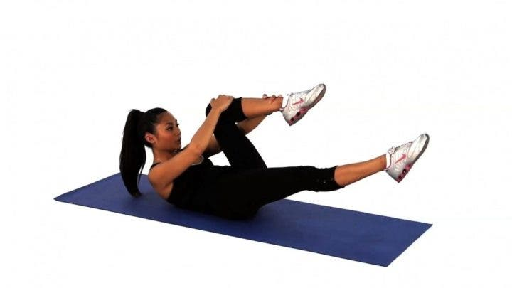 estiramiento de una pierna en Pilates