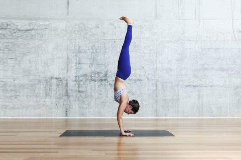 Cómo hacer el equilibrio invertido de brazos