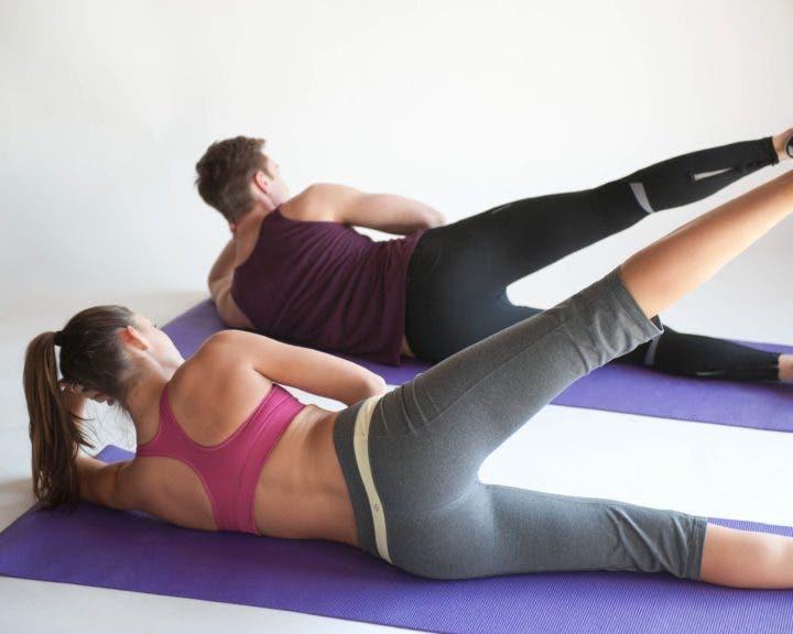 patada lateral de pilates