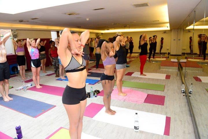 material para las clases de Yoga Bikram