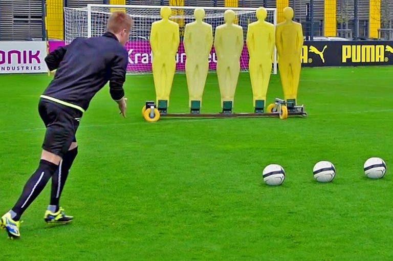 Cómo golpear el balón con efecto
