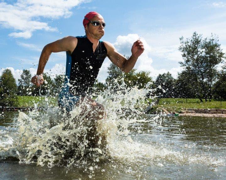 ¿cuánta proteína se debe tomar en una competición de triatlón?