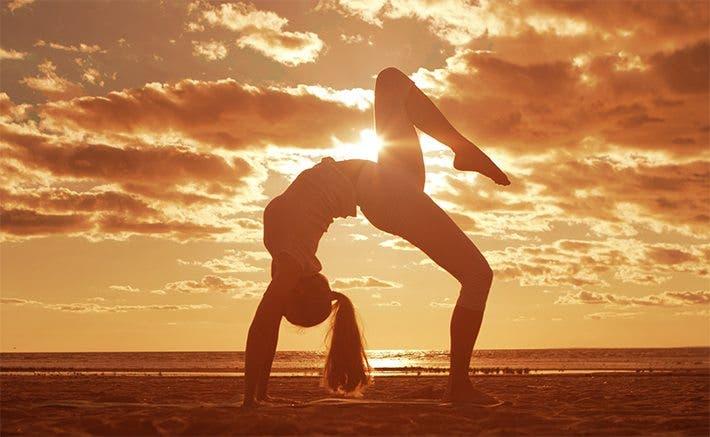 Ejercicios de yoga mejoran la función cerebral
