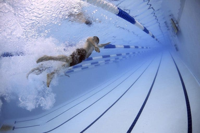 8 errores comunes de nadadores principiantes