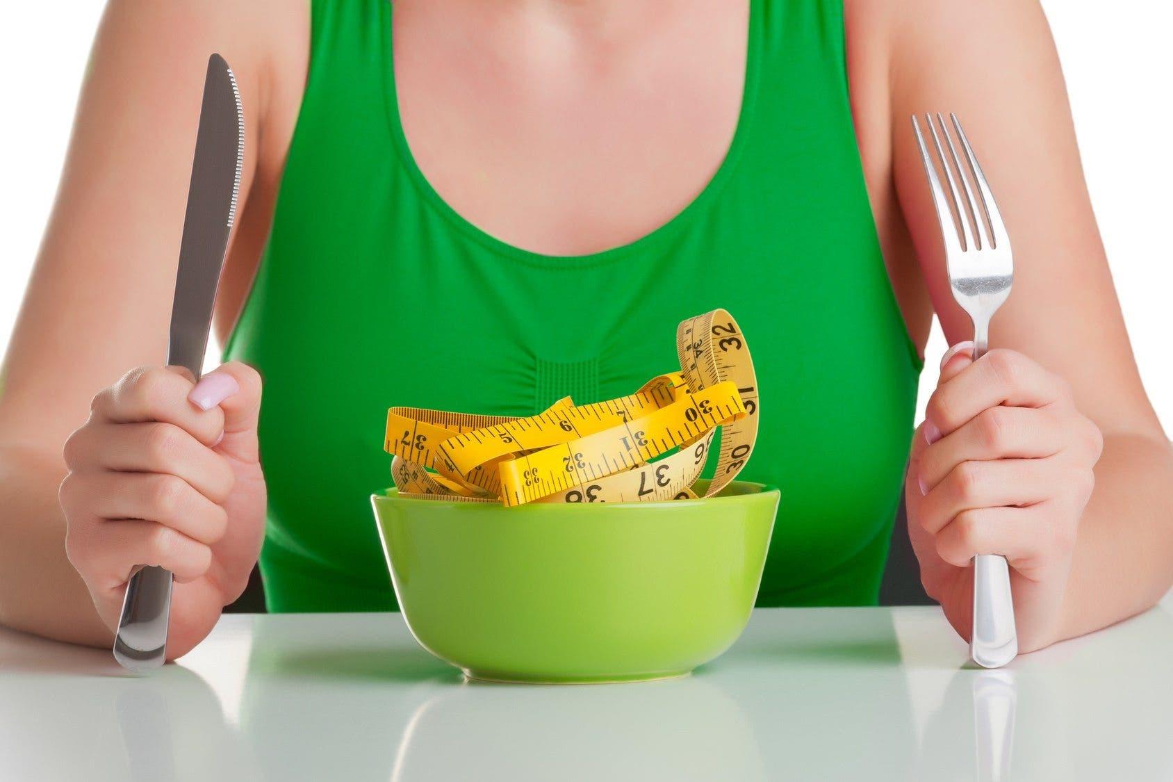 Los productos para el régimen con la restricción de las grasas y los hidratos de carbono