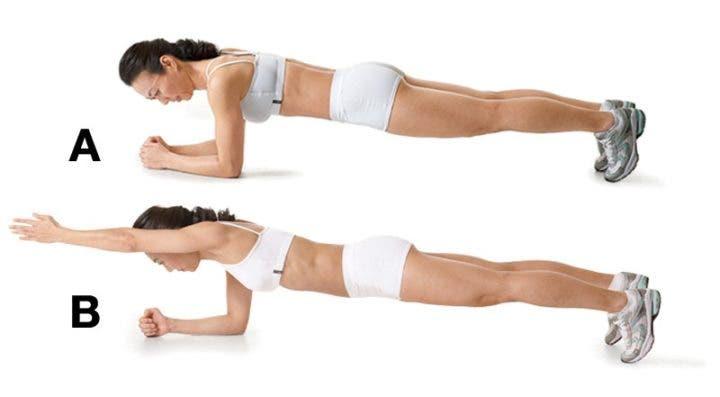 plancha con brazo extendido para entrenamiento hiit