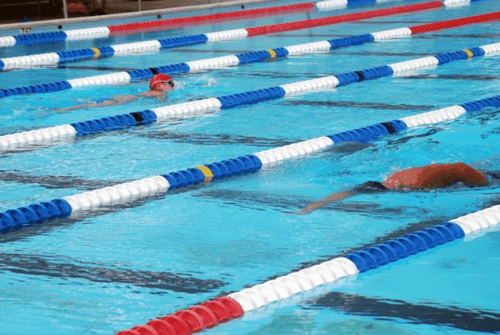¿Cómo deben ser mis entrenamientos de natación?