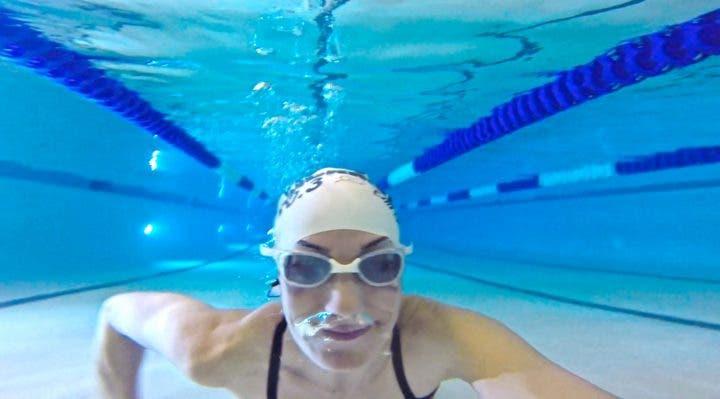 Cómo evitar los pensamientos negativos en natación