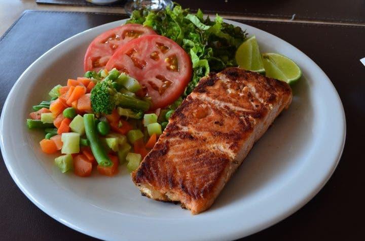 ¿El pescado puede bajar el colesterol?