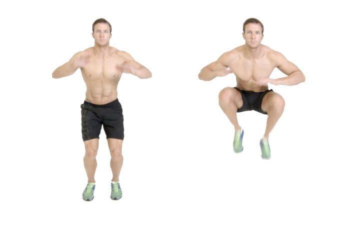 saltos con encogimientos de rodillas para entrenamiento hiit