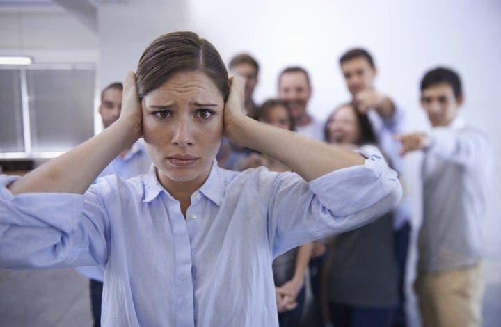 Las actitudes más negativas que puedes tener con la gente