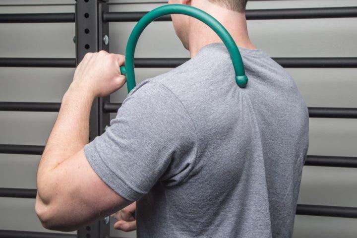 Estiramiento muscular con bastón de Thera