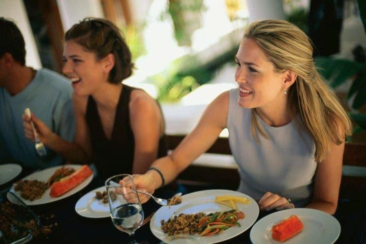 Cómo comer sano fuera de casa