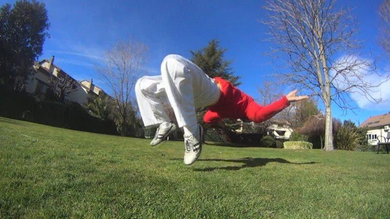 Tutorial acrobacia kip up o movimiento de resorte para levantarse del suelo