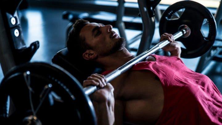 Ejercicios de empuje para una rutina full-body