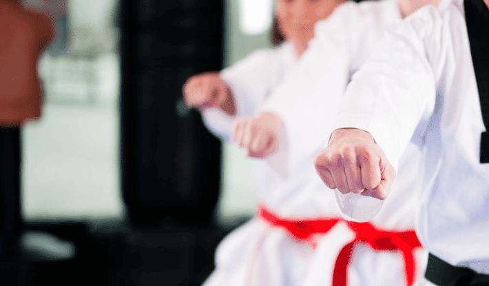 Aprender artes marciales para impresionar a los demás