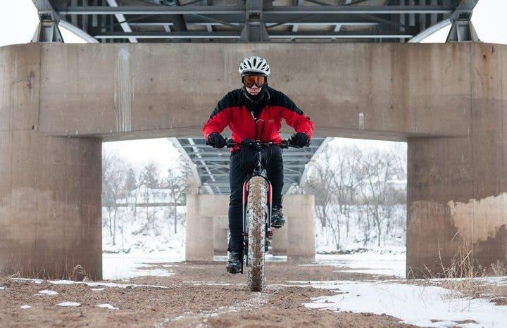 Ventajas de montar en bicicleta en invierno