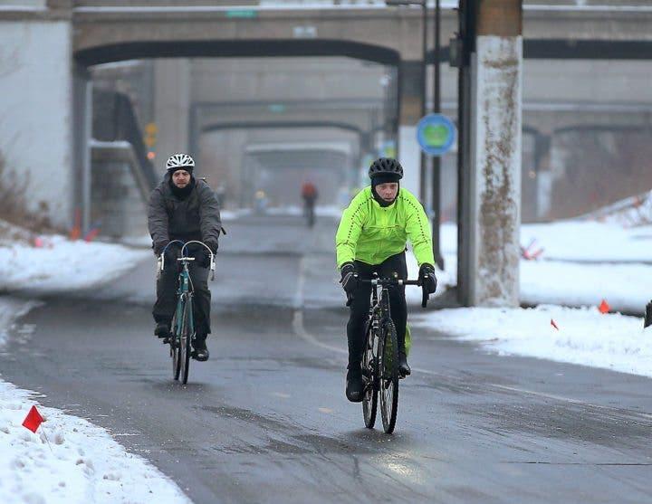 Ventajas de practicar ciclismo en época invernal