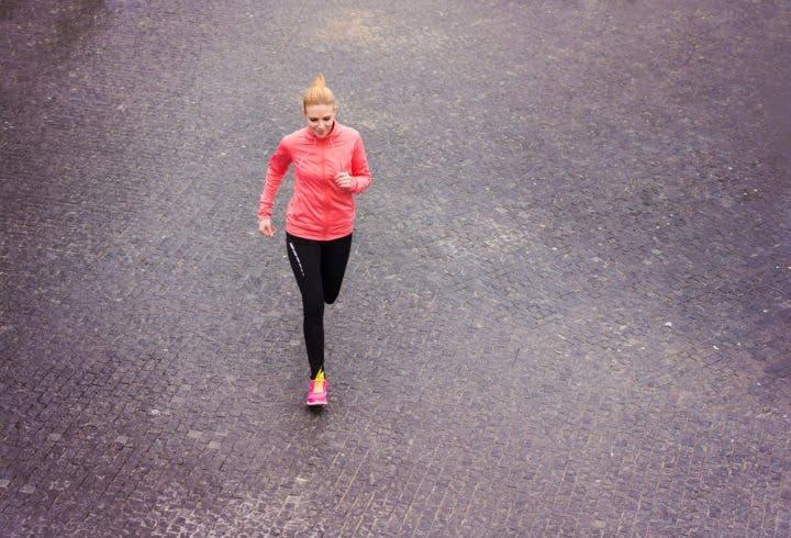 Qué hacer si sales a correr sola