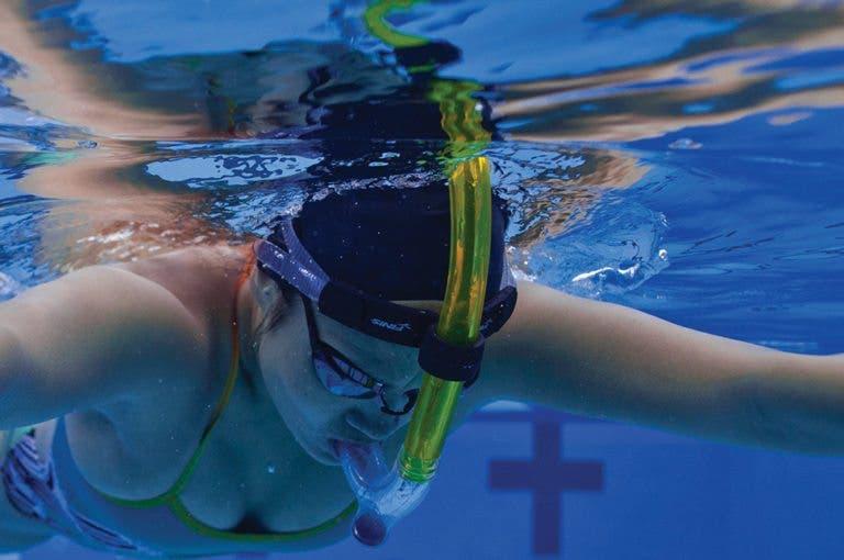 4 elementos imprescindibles para una buena salida de natación