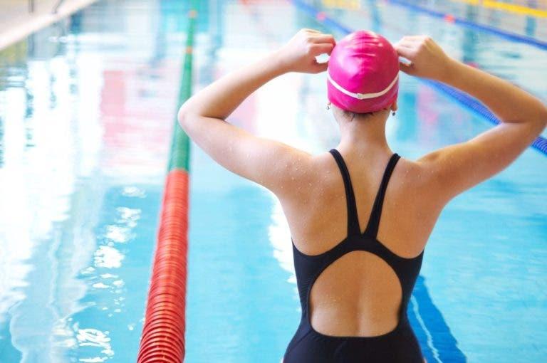 ¿se puede rehabilitar una lesión de espalda con la natación?