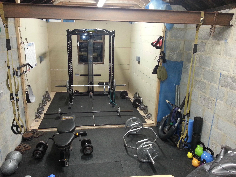 10 elementos esenciales para crear un gimnasio casero de for Gimnasio en casa