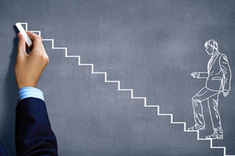 7 hábitos de trabajo que te harán destacar por encima de la media