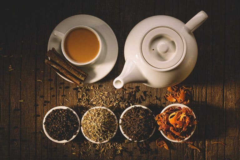 4 tipos de té que te ayudarán a quemar grasa