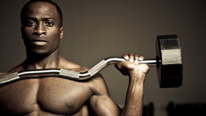 ¿Debo perder grasa antes de pensar en ganar músculo?