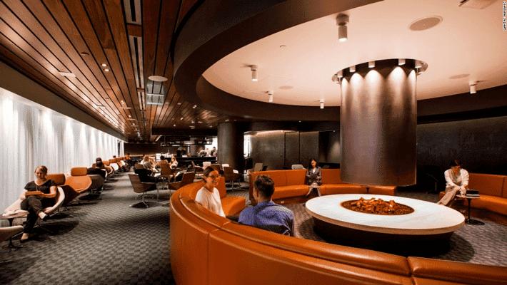 Cómo tener acceso a las cafeterías de los aeropuertos sin pagar demasiado