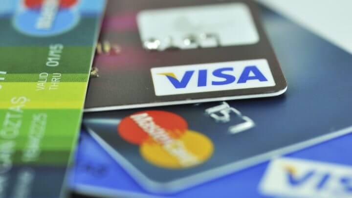 Administrar correctamente las tarjetas de crédito cuando eres joven